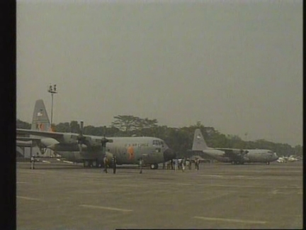 Indonesia - US planes arrive to help firefighting