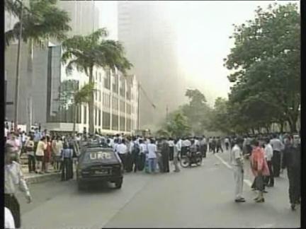 INDONESIA: JAKARTA: CAR BOMB EXPLOSION