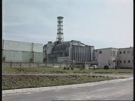 Ukraine - Chernobyl reactor still leaking
