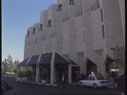MIDDLE EAST: PALESTINIAN & ISRAELI NEGOTIATIONS ON TROOP WITHDRAWALS