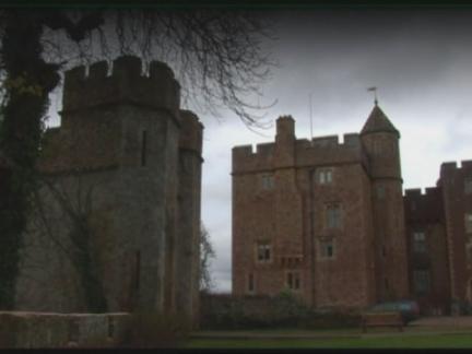 (TT) UK Solar Castle