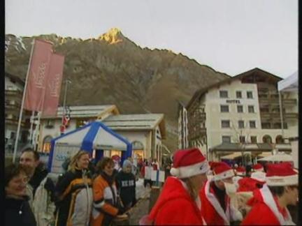 SNTV Bizarre Santa