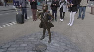 US Girl Statue