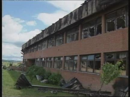 KOSOVO: NATO WARPLANES HIT PRISON CLAIM