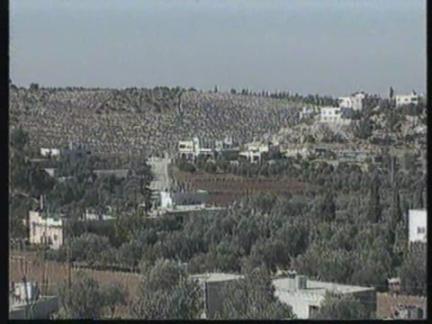 ISRAEL: WEST BANK: ISRAELI SOLDIERS KILL MUSLIM MILITANT FUGITIVE