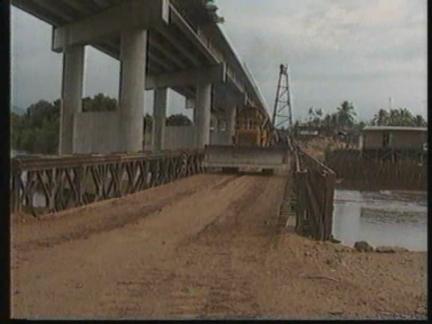 THAILAND: BURMA HALTS CONSTRUCTION OF BRIDGE