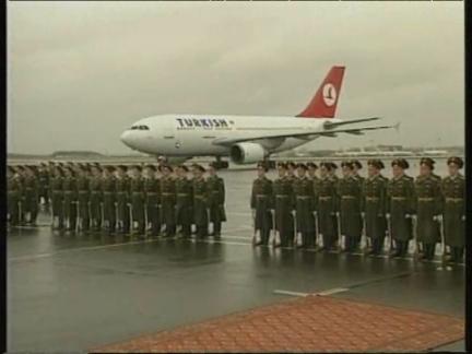 RUSSIA: TURKISH PM BULENT ECEVIT VISIT (2)