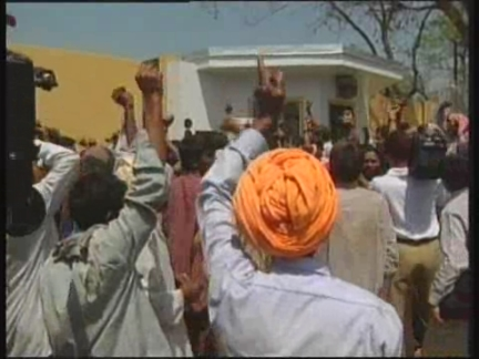 INDIA: NEW DELHI: SARDAR SAROVAR DAM PROTEST