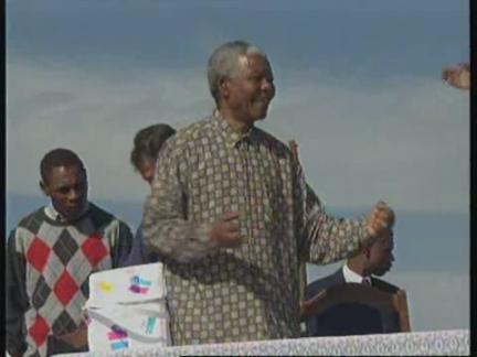SOUTH AFRICA: NELSON MANDELA AUCTIONS SOME PERSONAL BELONGINGS