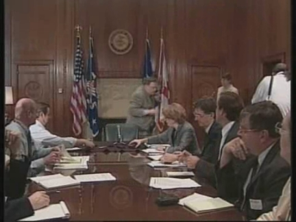 USA: USA: JANET RENO 1993 WACO INCIDENT PRESS CONFERENCE (2)