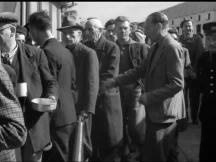 JEWISH EMIGRANTS LEAVE FOR AUSTRIA - NO SOUND