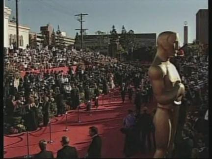 USA: LOS ANGELES: 70TH ANNUAL ACADEMY AWARDS: FASHION
