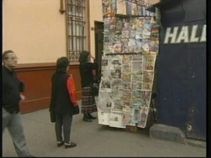 PERU: NEWSPAPER FEATURING GORY PHOTOS BECOMES BEST SELLER