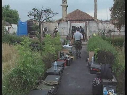 YUGOSLAVIA: KOSOVO: FBI INVESTIGATE MASSACRE SITES - UPDATE