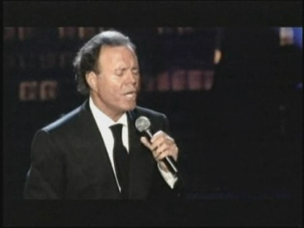 a1022953761 Entertainment US Julio Iglesias